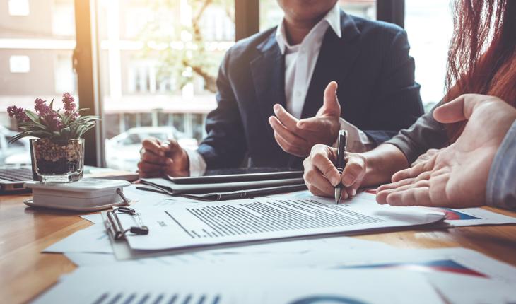 Hur sägs ett hyresavtal upp i förtid?