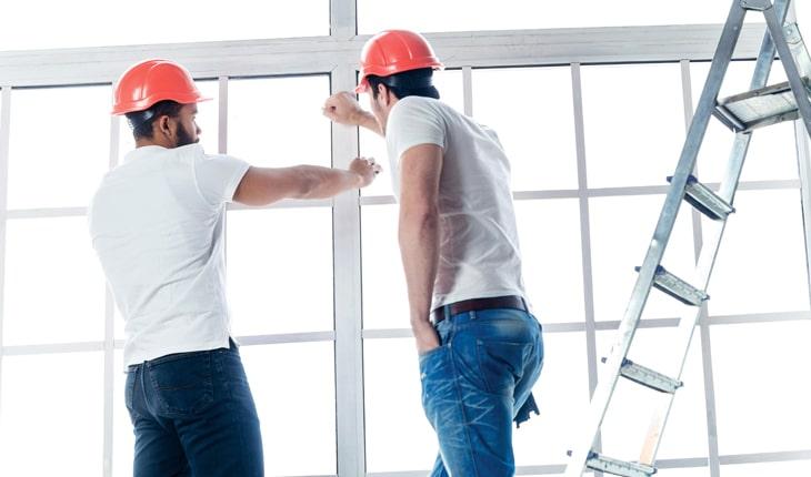 Vem står för skador som uppstår under byggnationen?